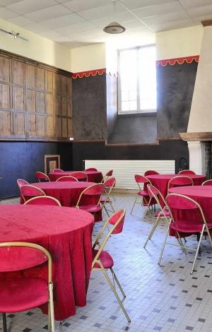 Salle de la cheminée de l'abbaye royale du Moncel (1)
